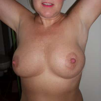 Gilf with perfect boobs