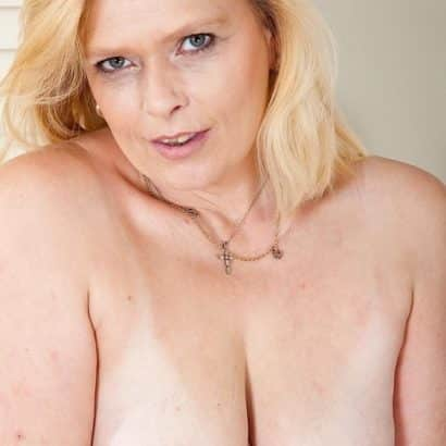 small breast gilf