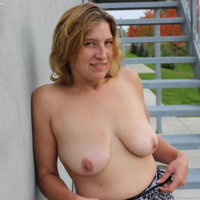 Mom got Natural Breasts