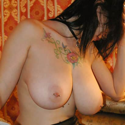scene girl with pierced boobs