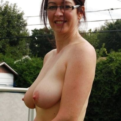 Busty natural showing off
