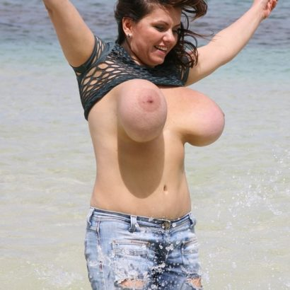 Big huge boobs jumping
