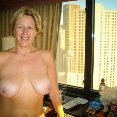 big boobies in the hotel room