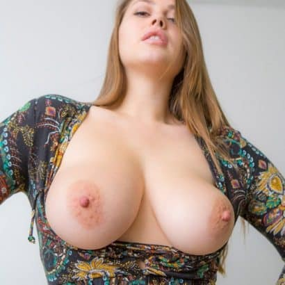 Teen got perfect boobs