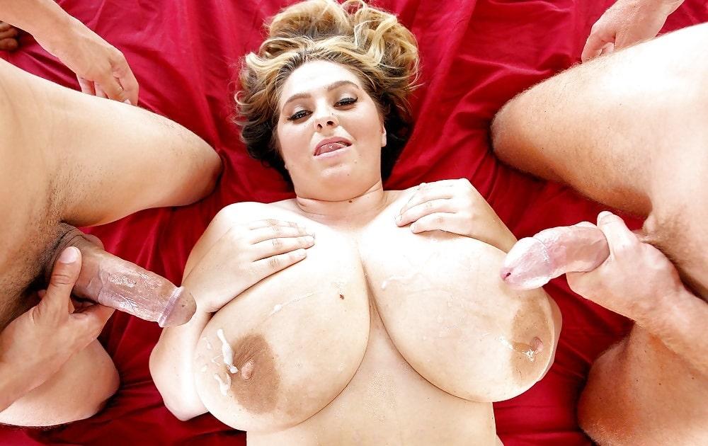 Huge cumshot perfect tits
