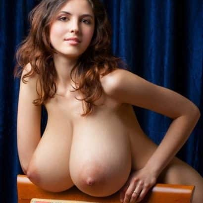 Teen with Big breast pictures