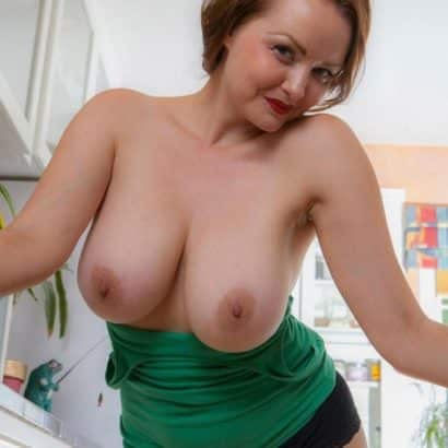 Milf Super tits