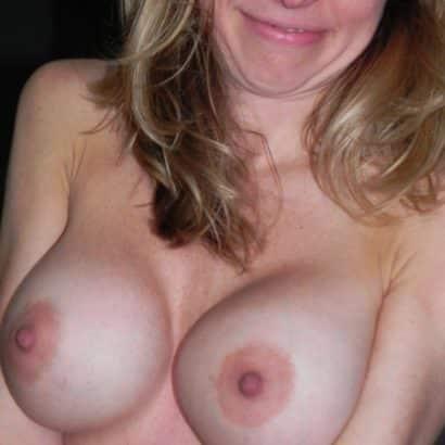 Round Nude nipples