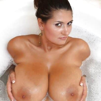 Super tits taking a bath