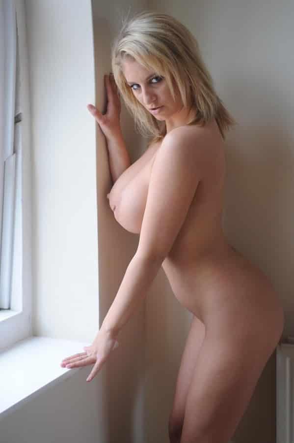 Blondes MäDchen Nackt