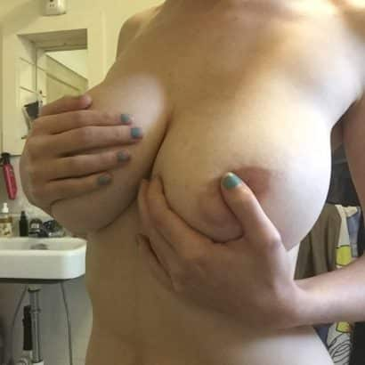 Teen Girl Boob reveal