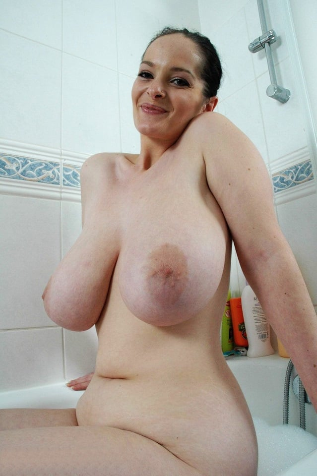 Curvy Natural Big Tits Riding