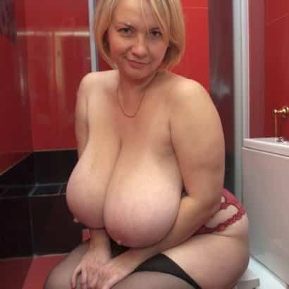 big floppy boobs on toilet