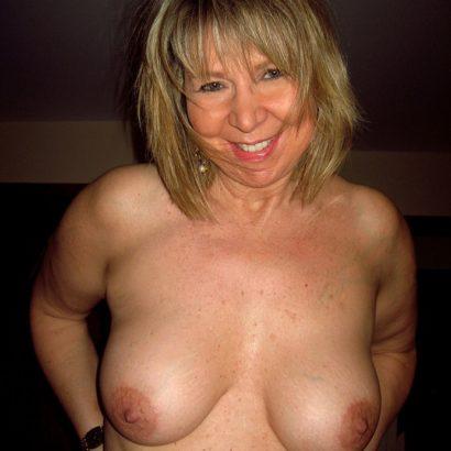 Moms big boobies