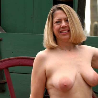 saggy mature boobs